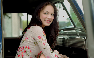 Kristin Kreuk [17] wallpaper