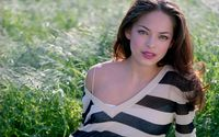 Kristin Kreuk sitting in the grass wallpaper 1920x1200 jpg