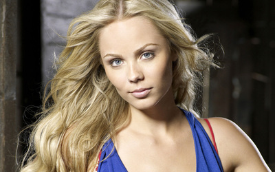 Laura Vandervoort [10] wallpaper