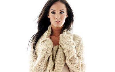 Megan Fox in a beige sweater wallpaper