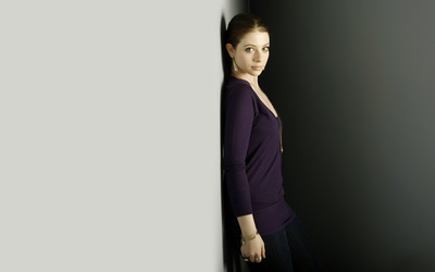Michelle Trachtenberg [15] wallpaper