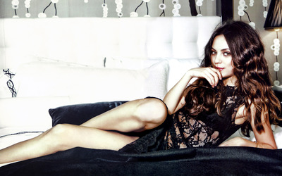 Mila Kunis [4] wallpaper