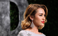 Miley Cyrus [30] wallpaper 2880x1800 jpg