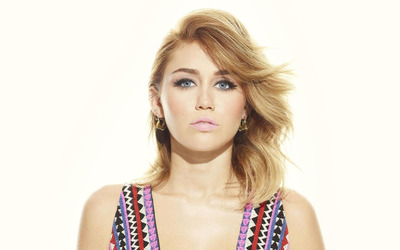 Miley Cyrus [32] wallpaper