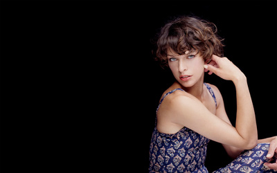 Milla Jovovich [10] wallpaper