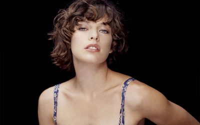 Milla Jovovich [4] wallpaper