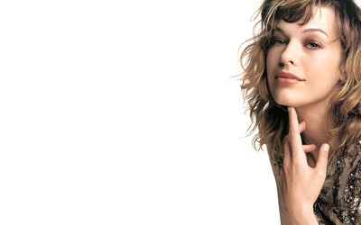 Milla Jovovich [7] wallpaper