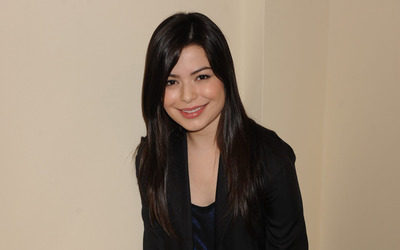 Miranda Cosgrove [14] wallpaper