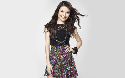 Miranda Cosgrove [9] wallpaper