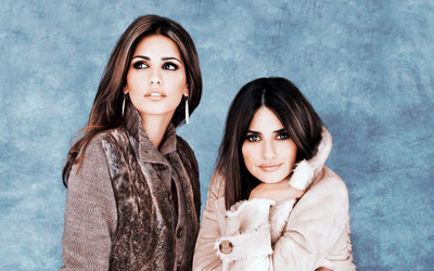 Monica and Penelope Cruz wallpaper