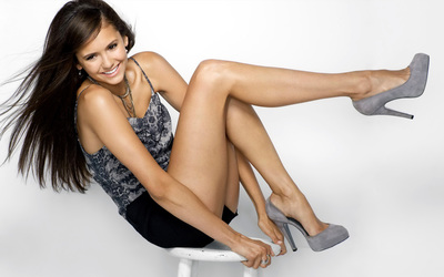 Nina Dobrev [3] wallpaper