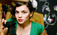 Norah Jones wallpaper 2560x1600 jpg