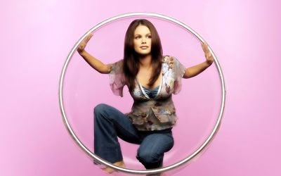 Rachel Bilson in a bubble wallpaper
