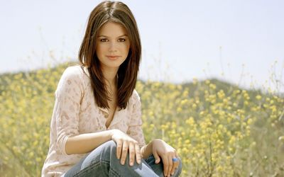 Rachel Bilson on a spring field wallpaper