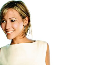 Rachel Stevens with a white top wallpaper