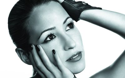 Rachel Stevens with hands on her head wallpaper