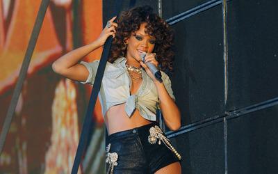 Rihanna [41] wallpaper