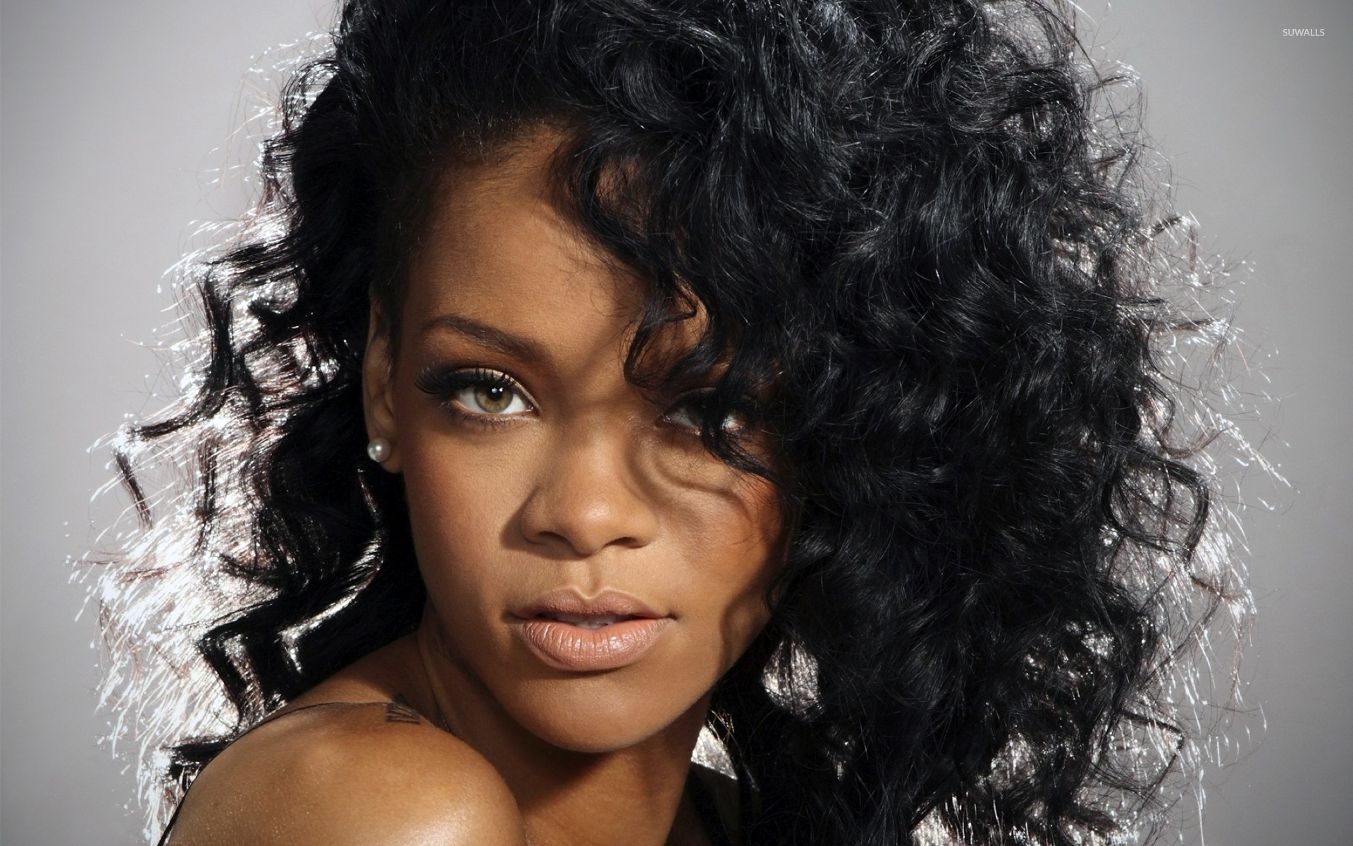 rihanna with curly hair wallpaper - celebrity wallpapers - #49901