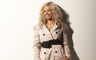 Sacha Parkinson [10] wallpaper