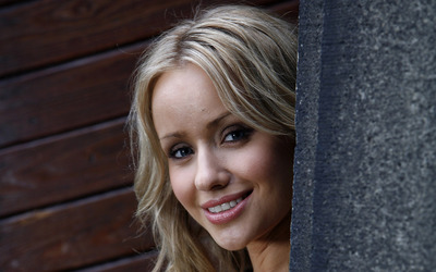 Sammy Winward [7] wallpaper