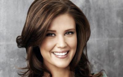 Sarah Lancaster smiling close-up wallpaper