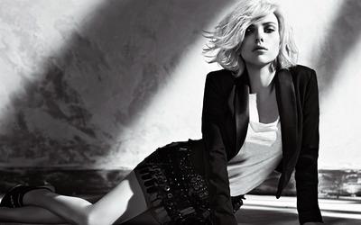 Scarlett Johansson [34] wallpaper