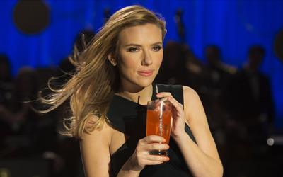 Scarlett Johansson [58] wallpaper