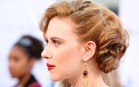 Scarlett Johansson with golden earrings wallpaper 2880x1800 jpg