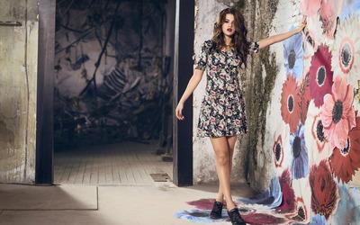 Selena Gomez [49] wallpaper