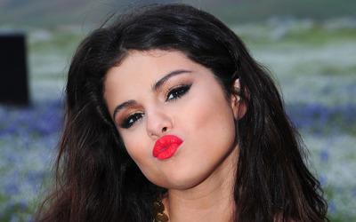 Selena Gomez [32] wallpaper