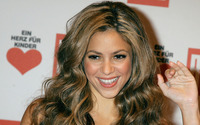 Shakira at Ein Herz fur Kinder wallpaper 1920x1200 jpg