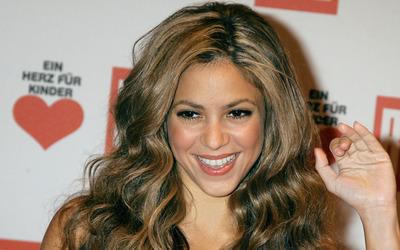 Shakira at Ein Herz fur Kinder wallpaper