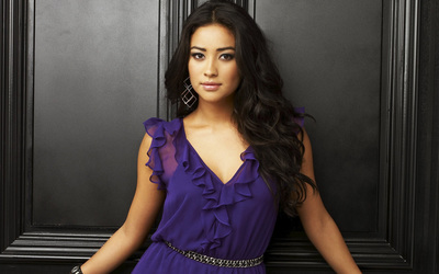 Shay Mitchell [3] wallpaper