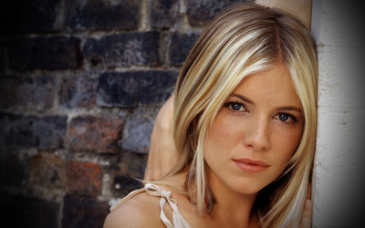 Sienna Miller [2] wallpaper