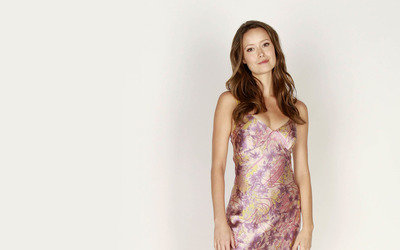 Simple Summer Glau in a silk dress wallpaper