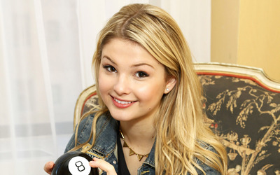 Stefanie Scott [2] wallpaper