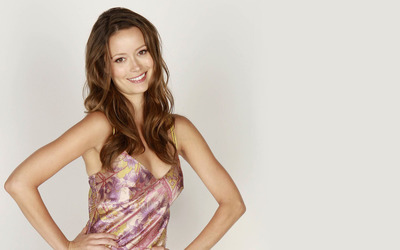 Summer Glau with a cute smile wallpaper