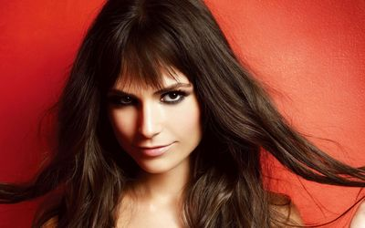 Superb Jordana Brewster at the red wall wallpaper