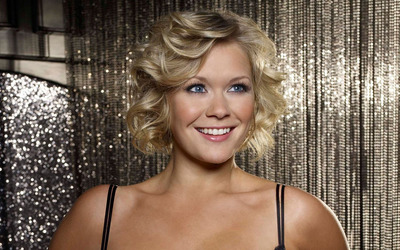 Suzanne Shaw [3] wallpaper