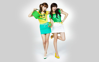 Taeyeon and Sunny - Girls' Generation wallpaper