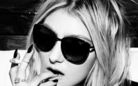 Taylor Momsen [5] wallpaper 2560x1600 jpg
