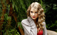 Taylor Swift [27] wallpaper 2560x1600 jpg