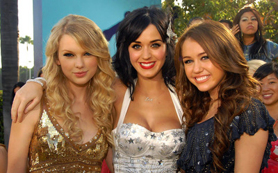 Taylor Swift, Katy Perry and Miley Cyrus wallpaper