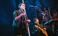 Tegan and Sara [13] wallpaper 1920x1200 jpg