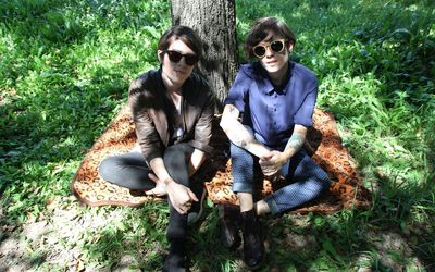 Tegan and Sara [10] wallpaper