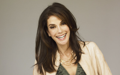 Teri Hatcher with beautiful smile wallpaper