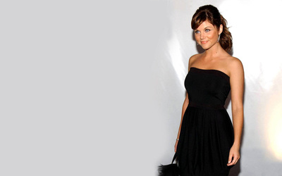 Tiffani-Amber Thiessen [11] wallpaper