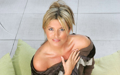 Tina Hobley [7] wallpaper