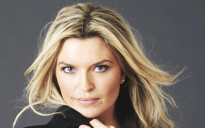 Tina Hobley [9] wallpaper