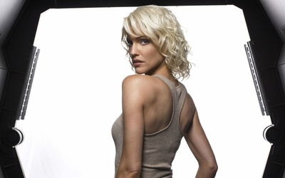 Tricia Helfer [4] wallpaper